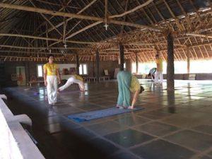 mika-on-ashram-joogan-opetus-maduraissa