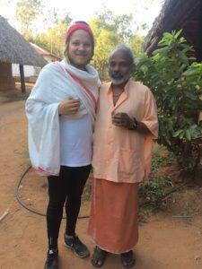 mika-on-ashram-swami-hariomananda-teella